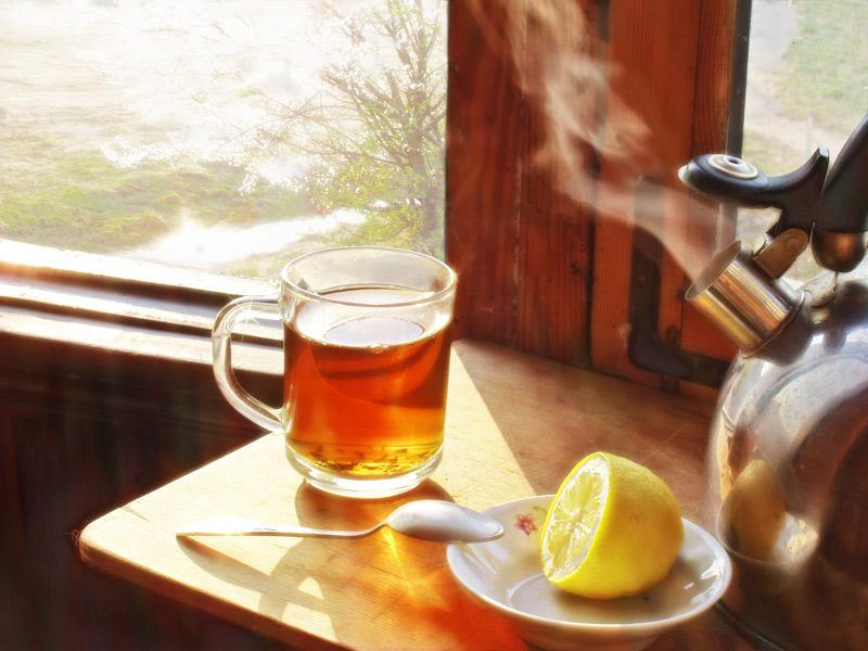 Много пью чай с лимоном